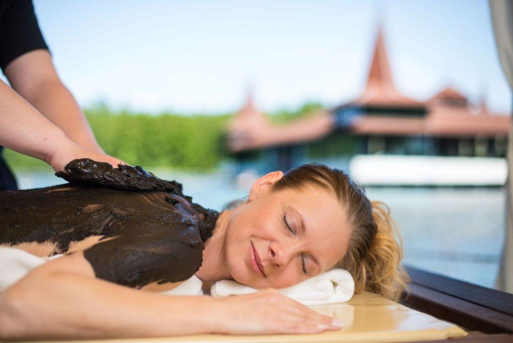 Mire jó a gyógyiszap? Minősített gyógyászati kezelések gyógyfürdőkben