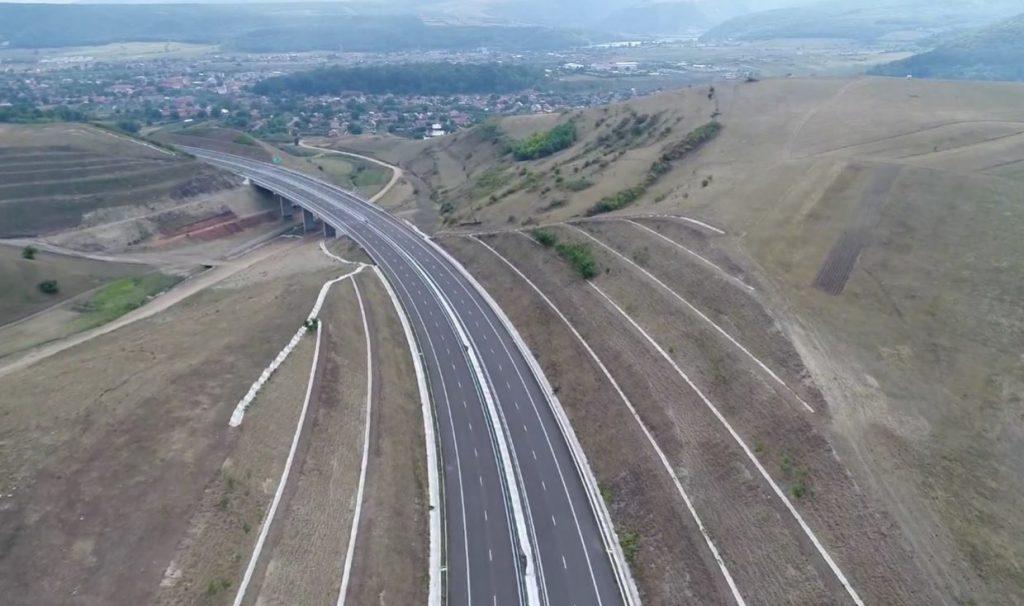 Román autópálya matrica